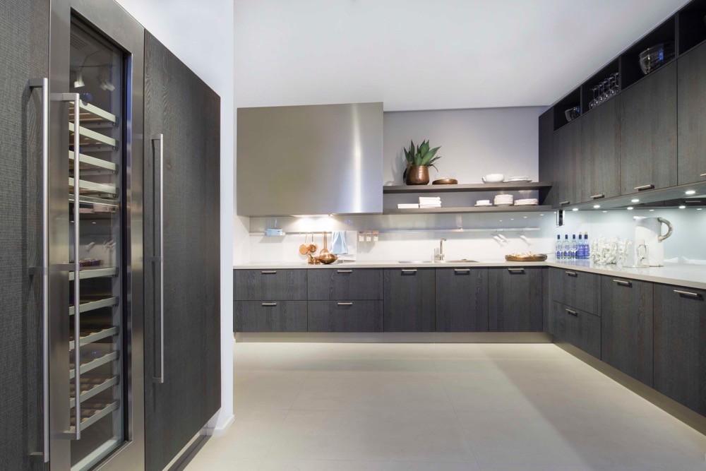 Danzer rough cut veneer grubo rezani furnir for Hacker kitchen designs